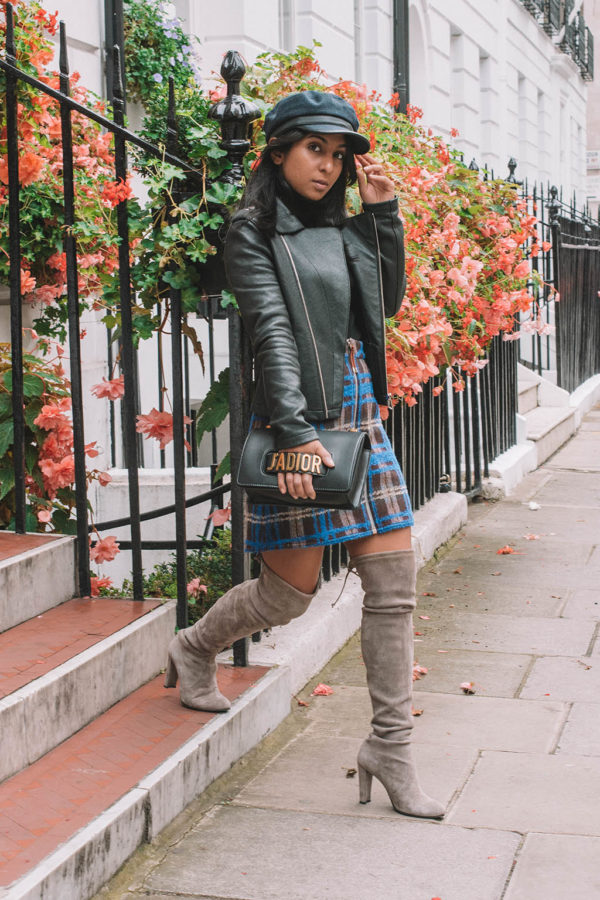 Fashion blogger Shloka Narang of The Silk Sneaker showcases her 5 autumn classic pieces for the perfect fall outfit