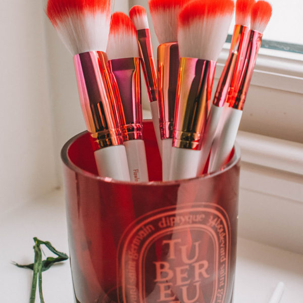 Fashion and Beauty blogger Shloka Narang of The Silk Sneaker shares her favourite new makeup brush set from Loella