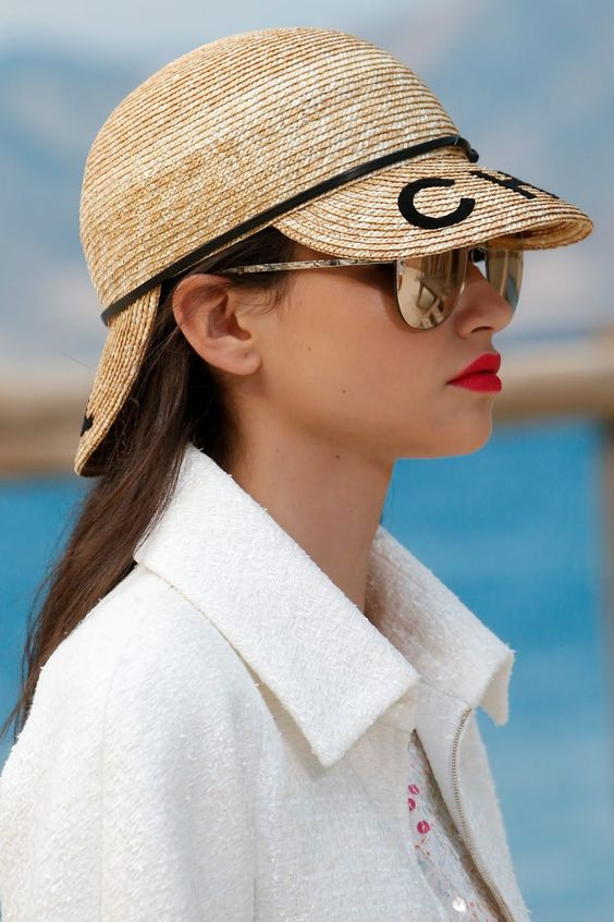 e4735fd5dae HELLO SPRING. Your ultimate guide to the chicest spring summer fashion  trends ...