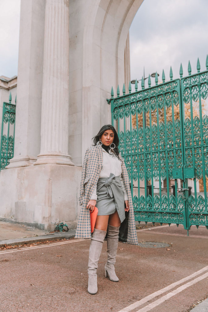 3 Tips For Petite Girls To Style Knee